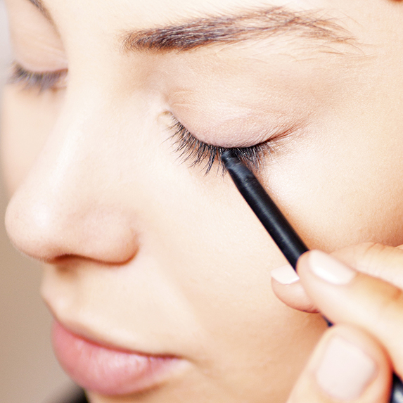 Mistake #6: Only lining your bottom lashes