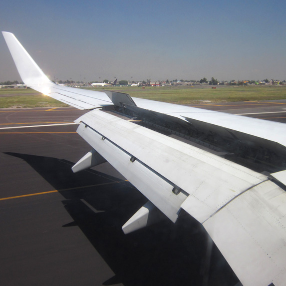 pilot can use airplane flaps