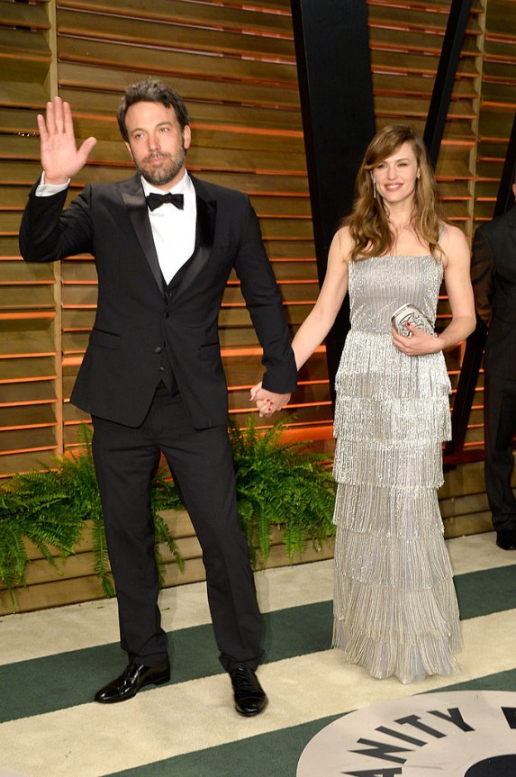 Ben Affleck and Jennifer Garner holding hands