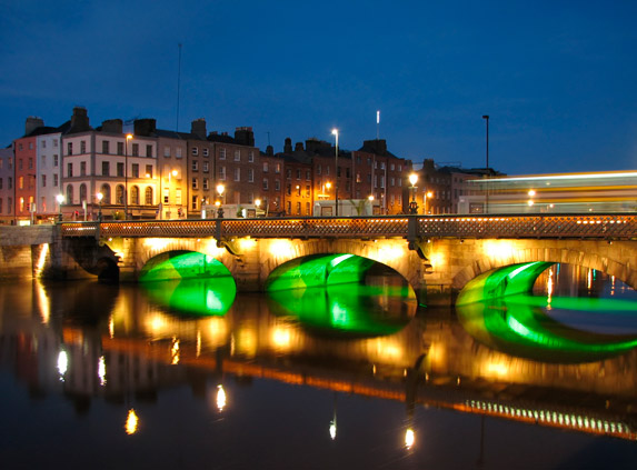 dublin city at night lit up