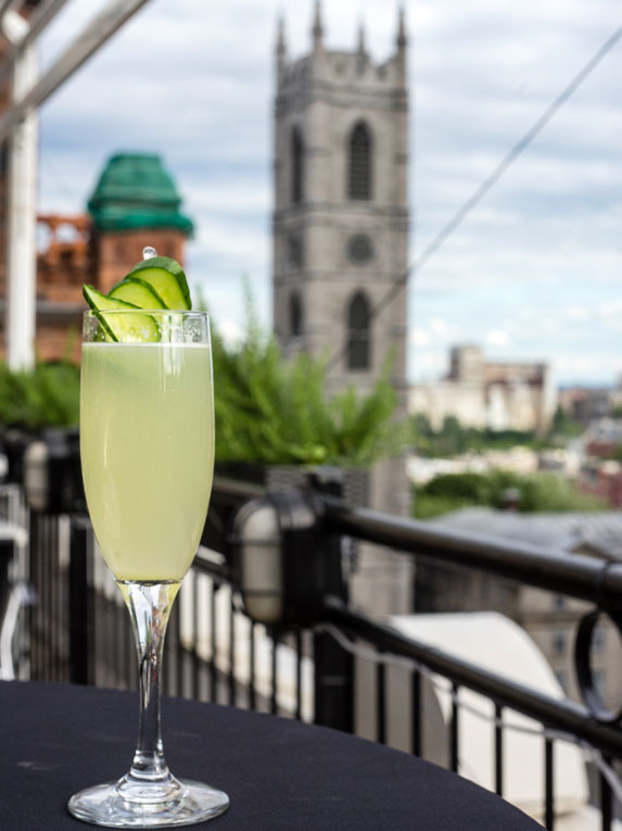 7. Cocktails: Terrasse Place d'Armes