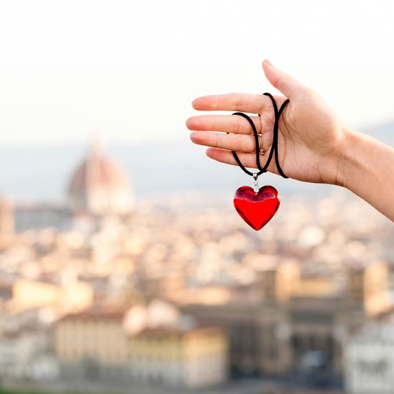 do women like heart shaped gifts