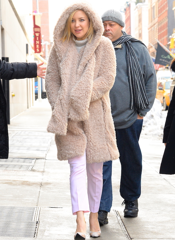 Kate Hudson wears warm layers for the winter