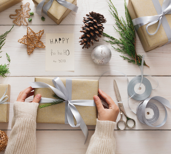 beautiful-paper-holiday-wrapping-apper