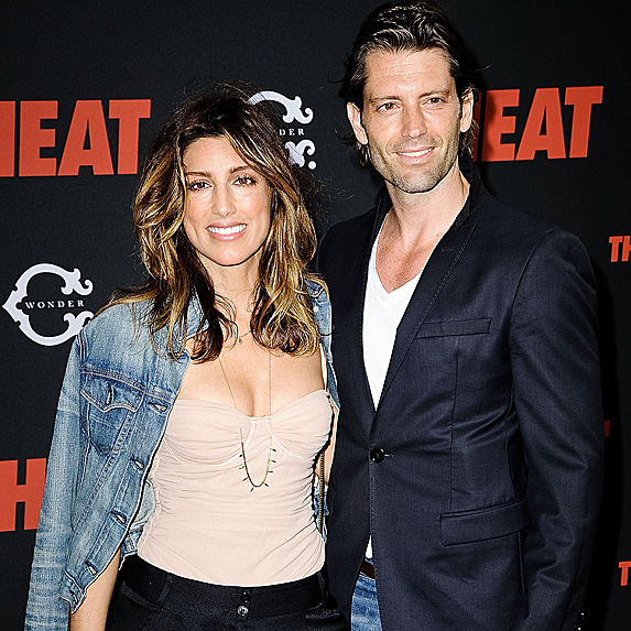 Jennifer Esposito and Louis Dowler look like twins