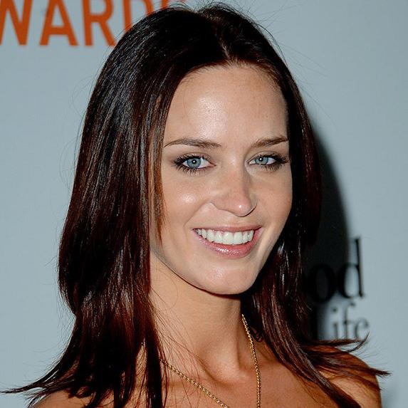 Emily Blunt teeth 2006