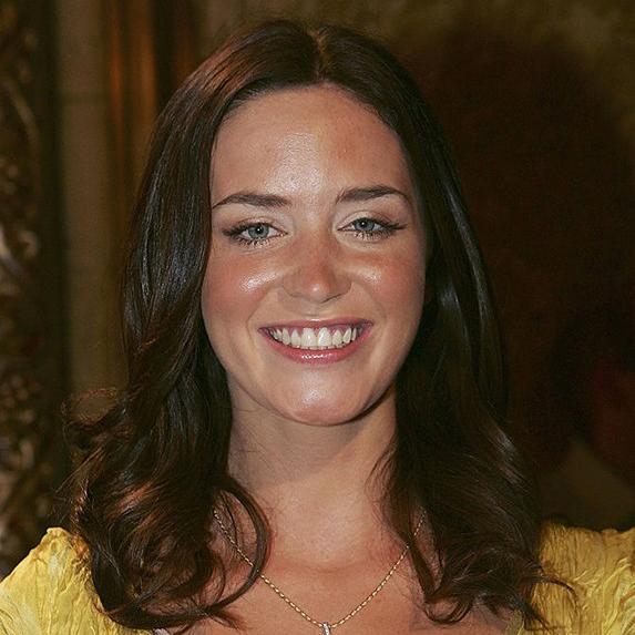 Emily Blunt teeth 2005