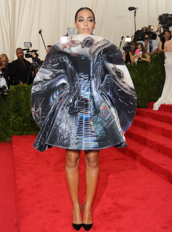 Solange Knowles weird Costume Gala outfit