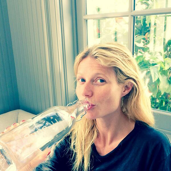 Gwyneth Paltrow makeup on