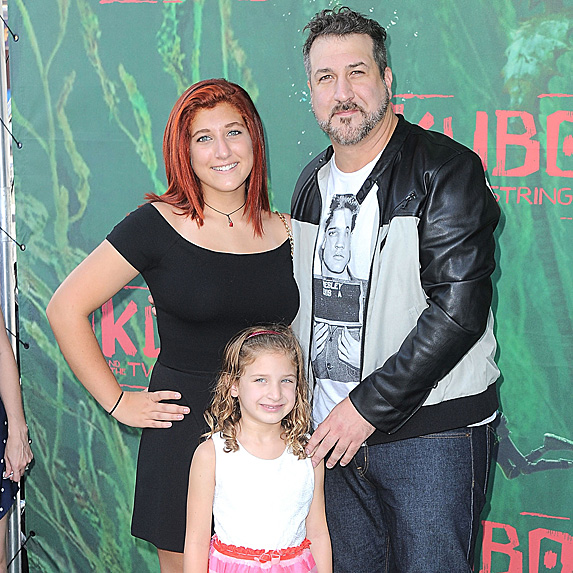 Joey Fatone, Kelly Baldwin and youngest daughter Kloey