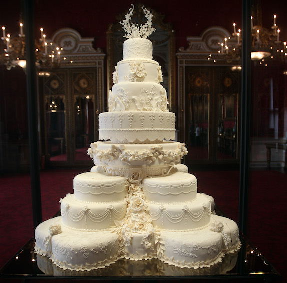 A photo of Prince William and Kate Middleton's wedding cake on display