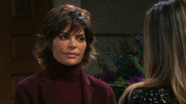 Watch: Lisa Rinna Returns to Days of Our Lives