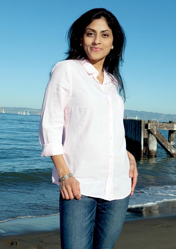 Woman wearing a long-sleeved shirt
