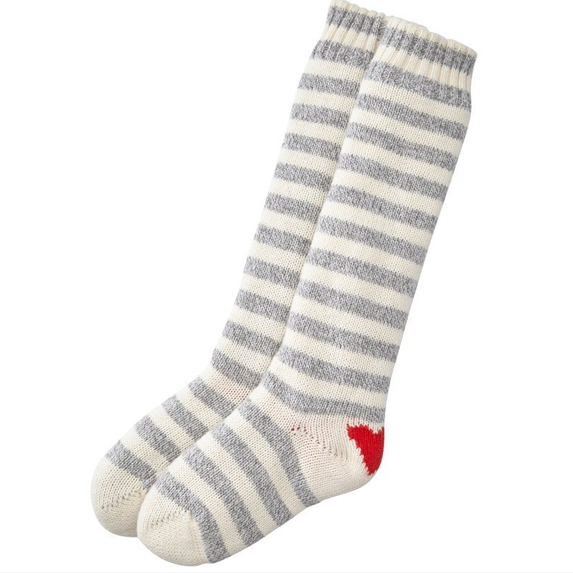 heart reading socks