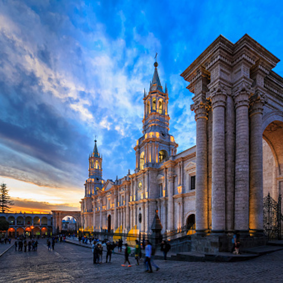 Retire in Peru, Arequipa, Plaza de Armas, Cathedral at sunset