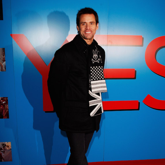 Jim Carrey on red carpet at premiere of Yes Man