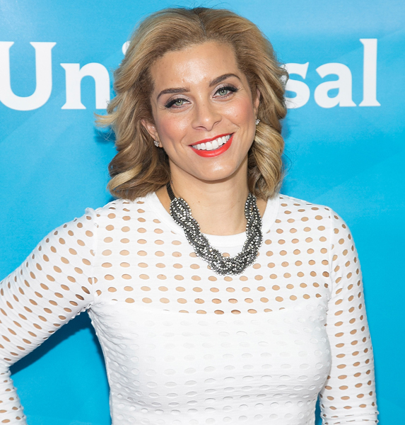 How old is Robyn Dixon?