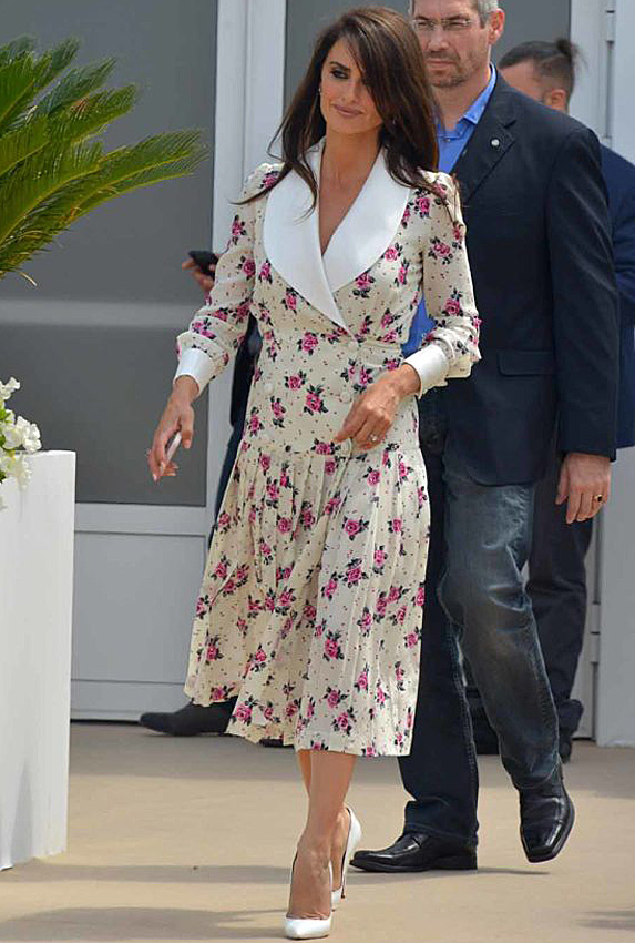 Penelope Cruz walking through Cannes