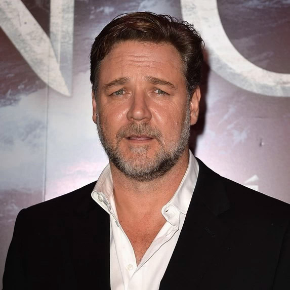 Russel Crowe in a love triangle