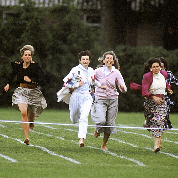 Diana and other moms running race