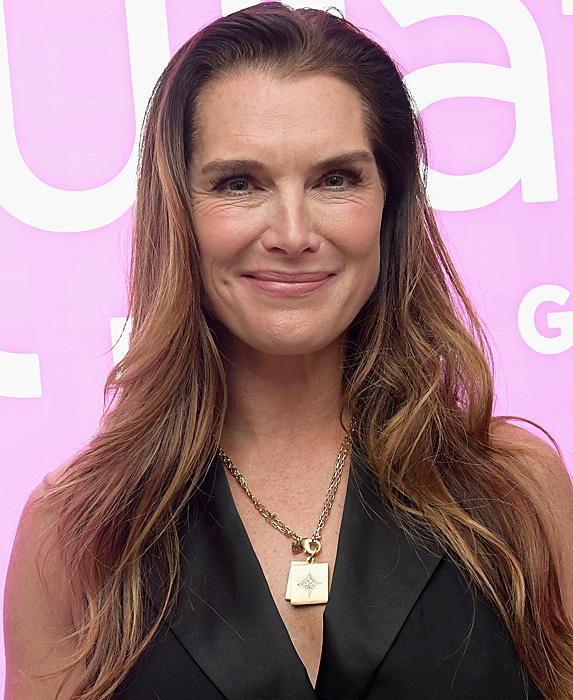 Brooke Shields at event