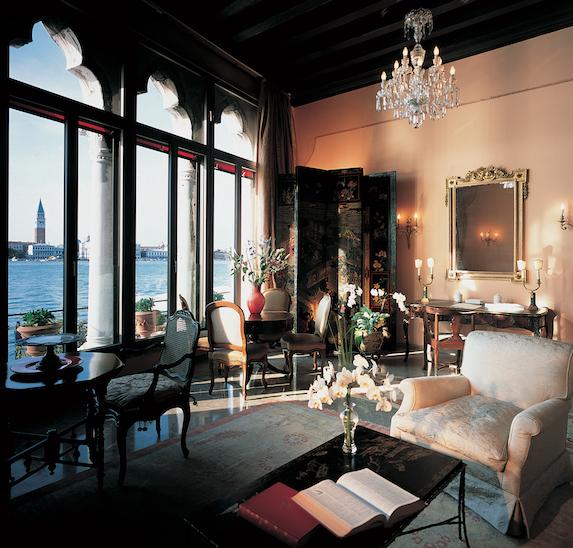 An elegant sitting room at Belmond Cipriani Hotel