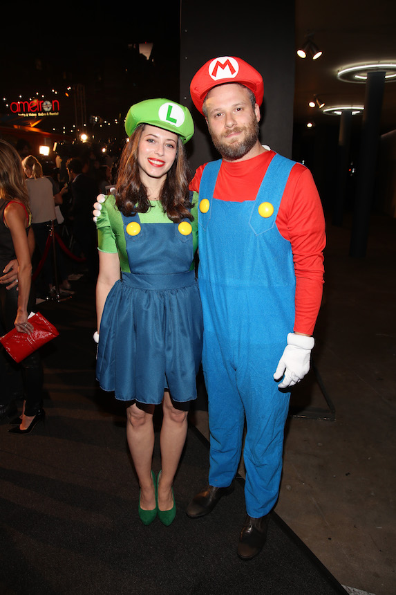 Seth Rogen and Lauren Miller dress as Mario and Luigi for a Halloween party in 2016