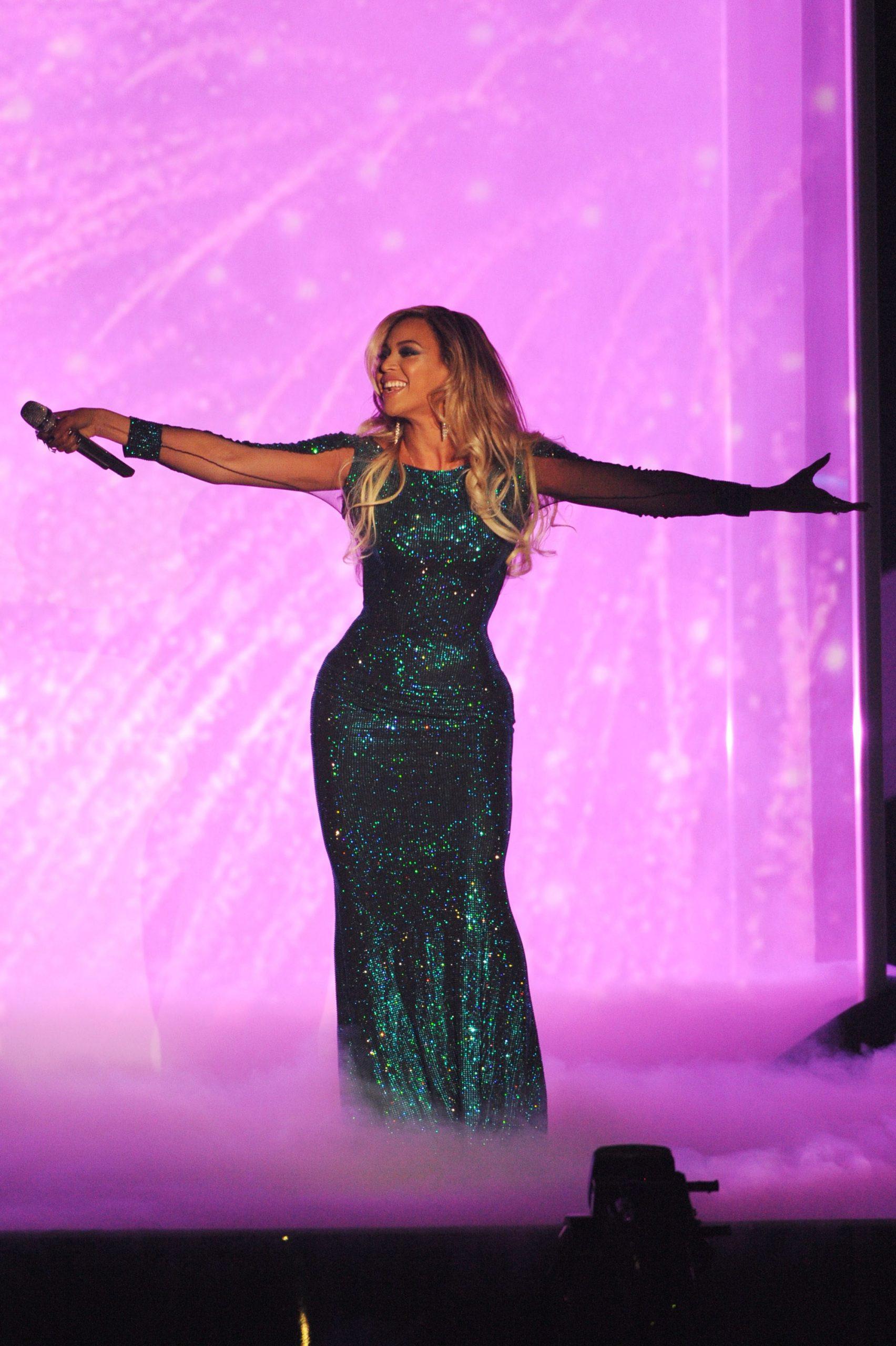 Curves: Beyonce Knowles