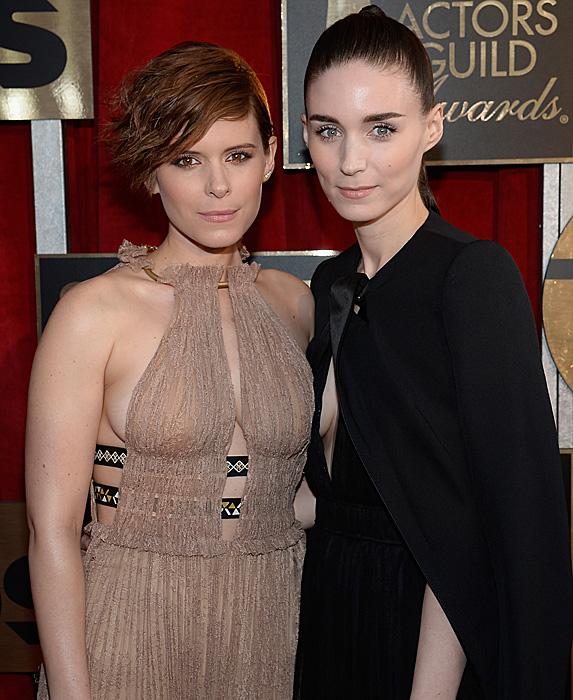 Kate Mara and Rooney Mara at the 2016 SAG Awards