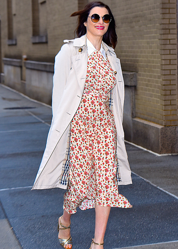 Rachel Weisz walking in NYC