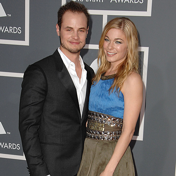 Dean Sheremet and LeAnn Rimes at the 2009 Grammy Awards