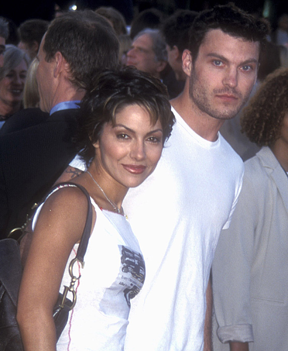Vanessa Marcil and Brian Austin Green in 2001
