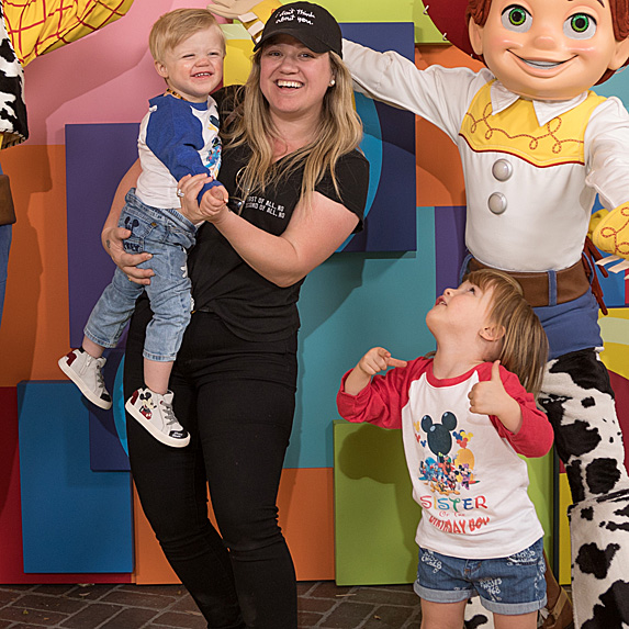 Kelly Clarkson with her son and daughter and Jessie from 'Toy Story'