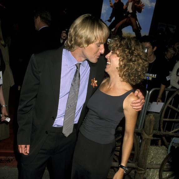 Owen Wilson and Sheryl Crow kiss on the red carpet