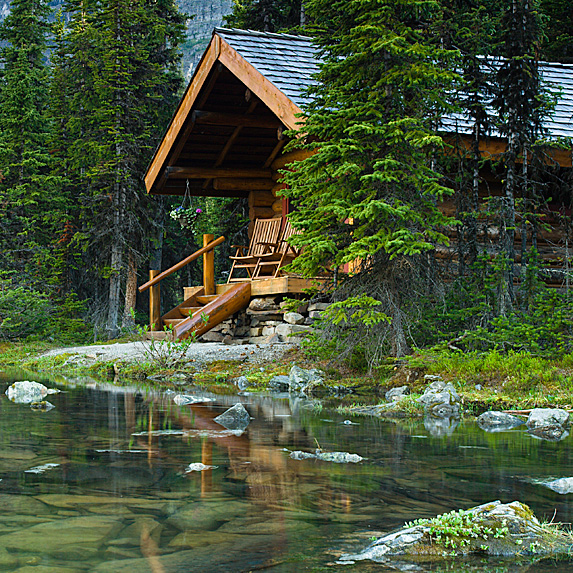 Lakeside cabin in the woods
