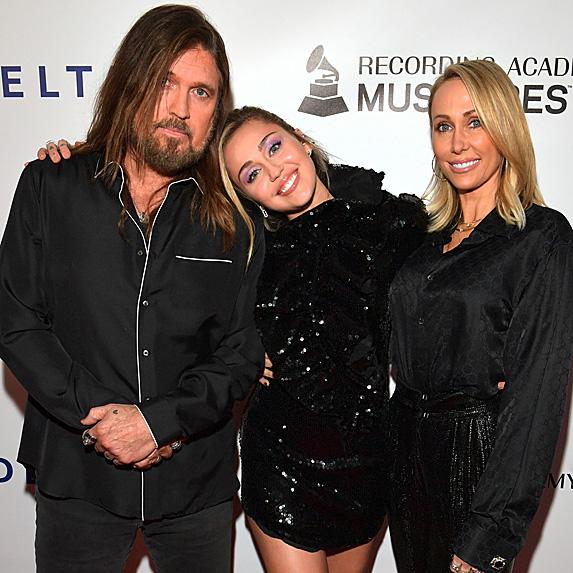 Billy Ray Cyrus, Miley Cyrus and Tish Cyrus