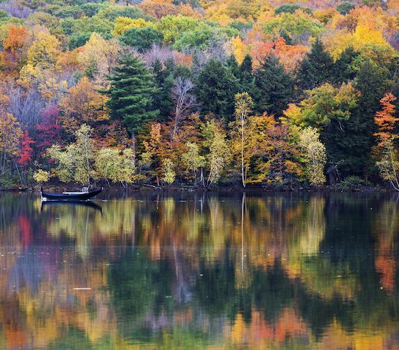 Colourful foliage and lake views at Mont Saint Bruno National Park