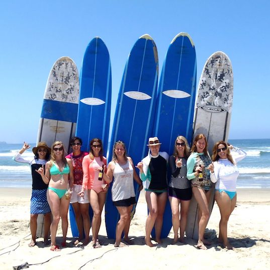 Women surfari