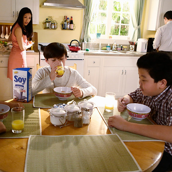 Fresh Off the Boat scene where Asian stereotypes are depicted