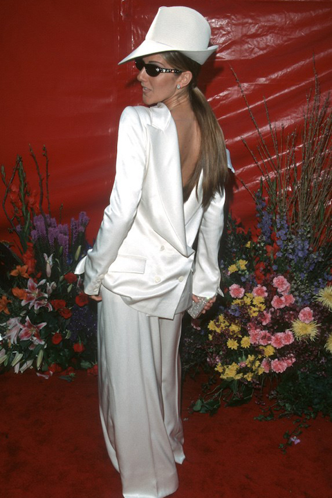 Celine Dion wears an all-white outfit to the Academy Awards in 1999