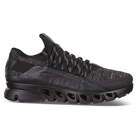 Black chunky outdoor shoes