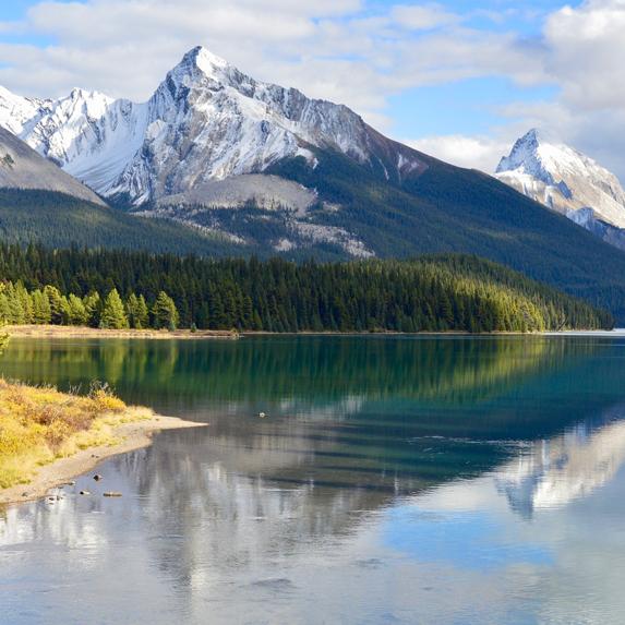 the mountains of Jasper, Alberta