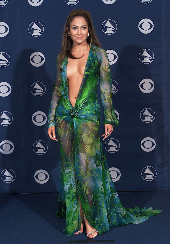 Jennifer Lopez wears a green Versace dress to the Grammy Awards in 2000