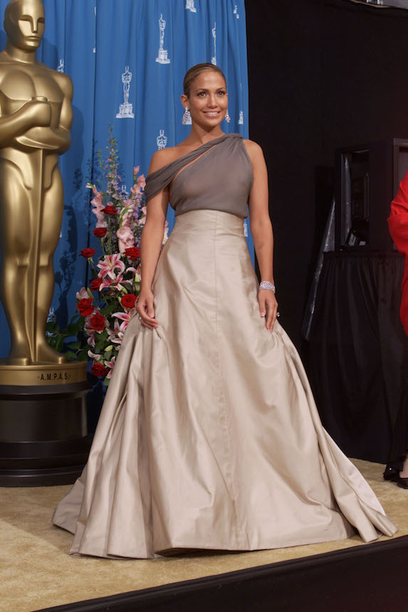 Jennifer Lopez wears a ball gown by Chanel to the 2001 Academy Awards