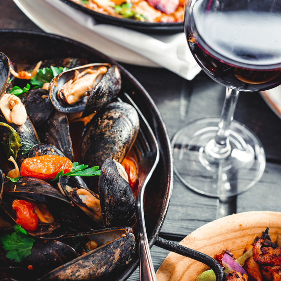 Mussels and wine