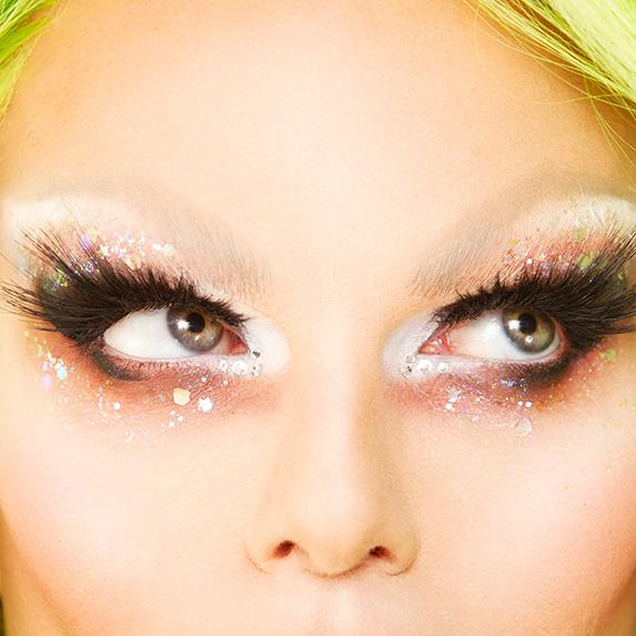 Drag Makeup Tips - Glitter