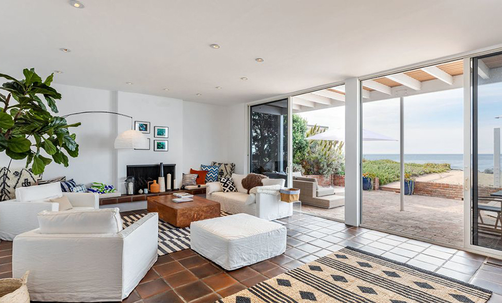 Denise Richards' home: makin' it in Malibu
