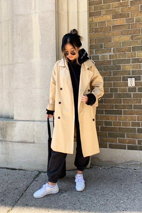 fall outfits trenchcoat and sneakerse