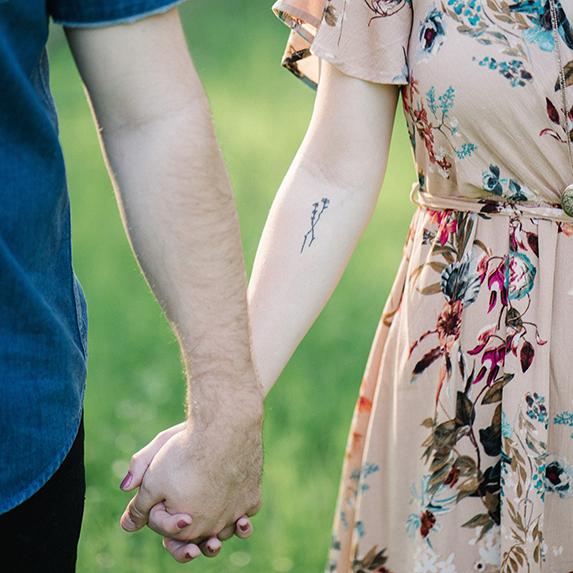 Minimal tattoo ideas: Flowers