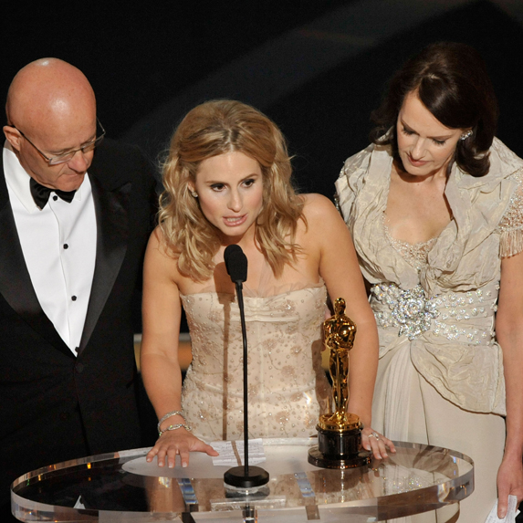 The family of the late Heath Ledger accept his Oscar for Best Supporting Actor on his behalf